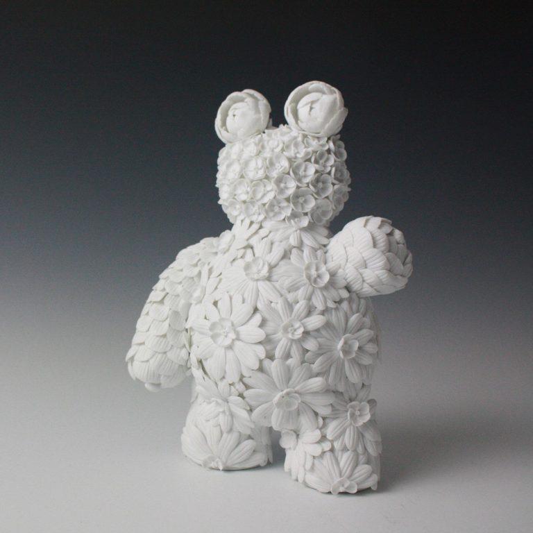 Porcelain sculpture by Vipoo Srivilasa