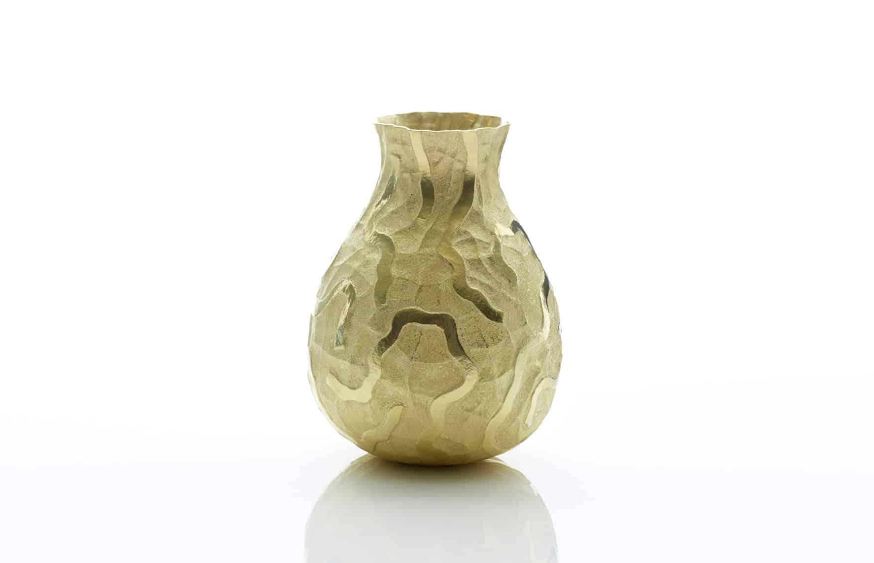 Gold sculpture by Hiroshi Suzuki
