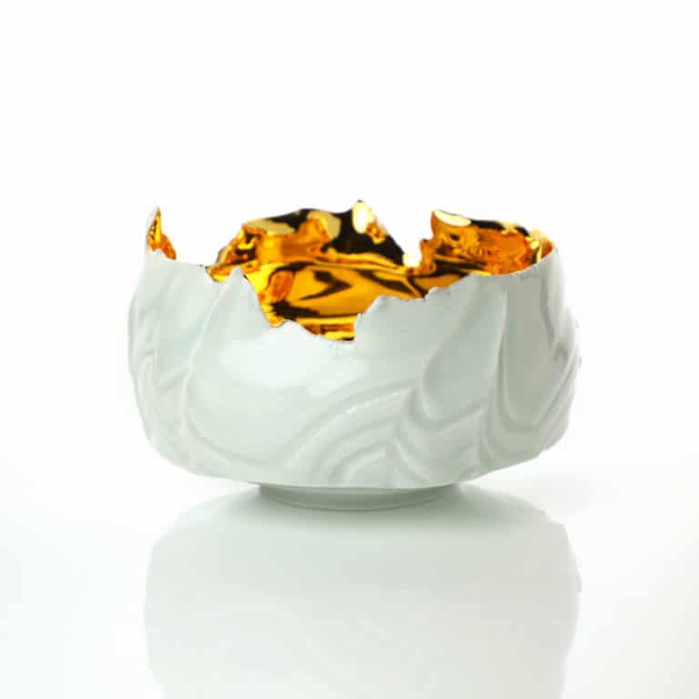 Porcelain sculpture by Takeshi Yasuda