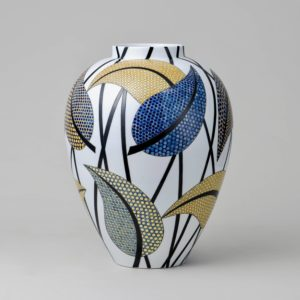 Ceramic sculpture by Felicity Aylieff