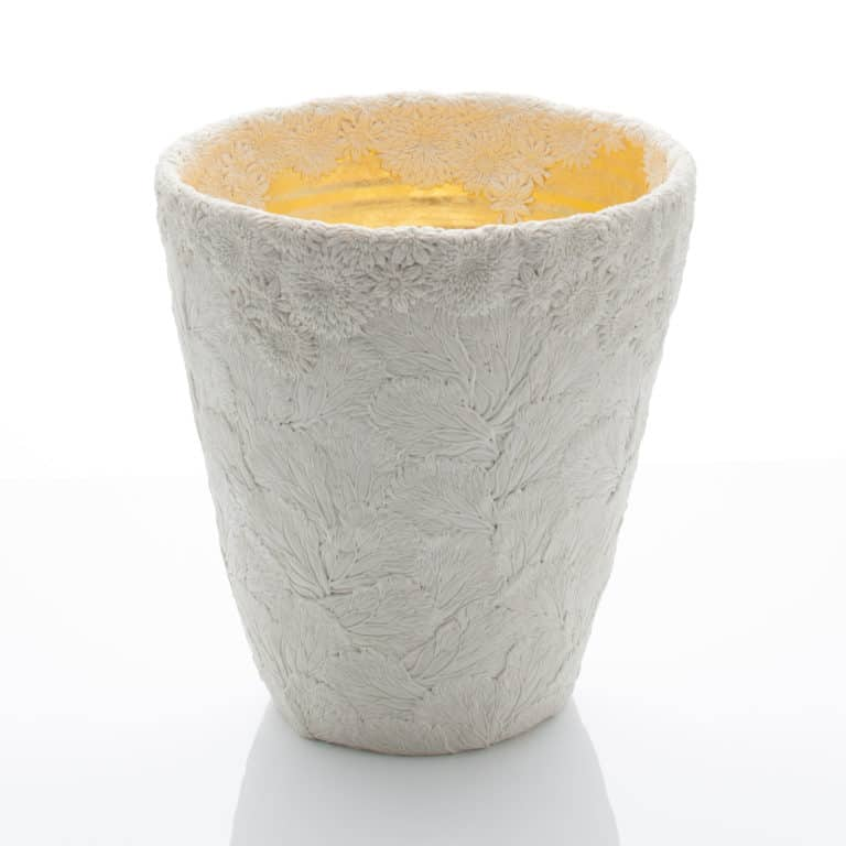Hitomi Hosono A Very Large Keyaki and Chrysanthemum Vase, 2019 Moulded, carved and hand-built porcelain with yellow gold leaf interior