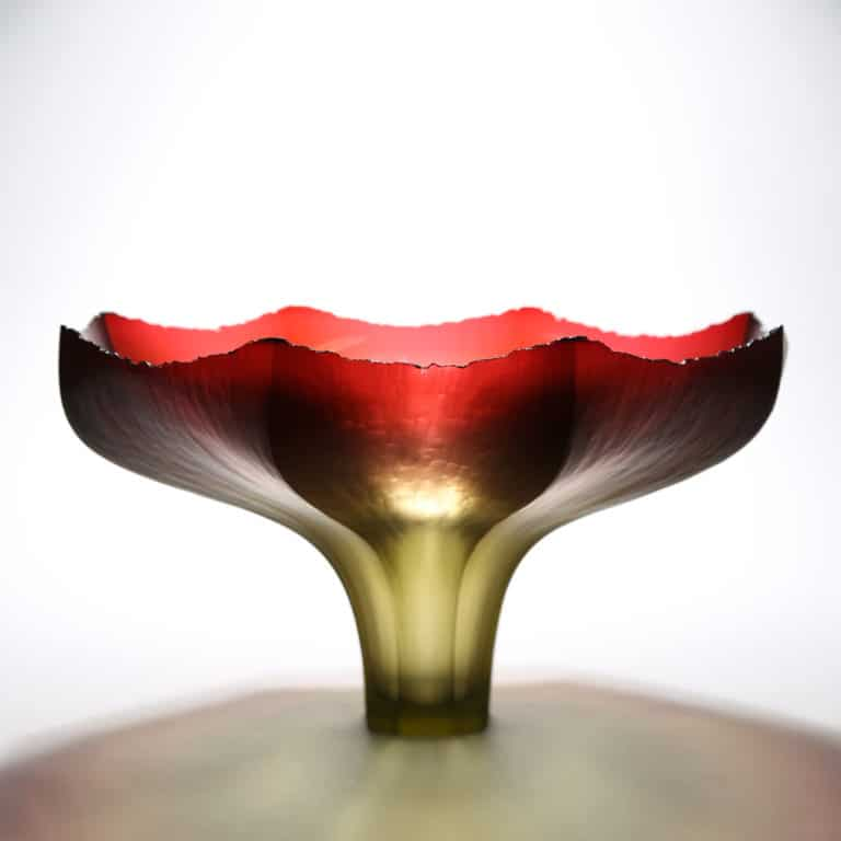 Joon Yong Kim Sunset Touching a Flower, 2020 Blown and cold-worked glass Made by the artist in South Korea