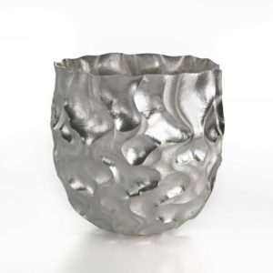 Hiroshi Suzuki Seni Vase, 2020 Hammer-raised and chased Fine silver 999 Made by the artist in Japan H.8 5/8 Dia.8 5/8in
