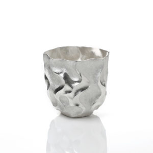 Hiroshi Suzuki Seni Dom Beaker, 2020 Hammer-raised and chased Fine silver 999 Made by the artist in Japan H.3 3/8 Dia.3 3/8in