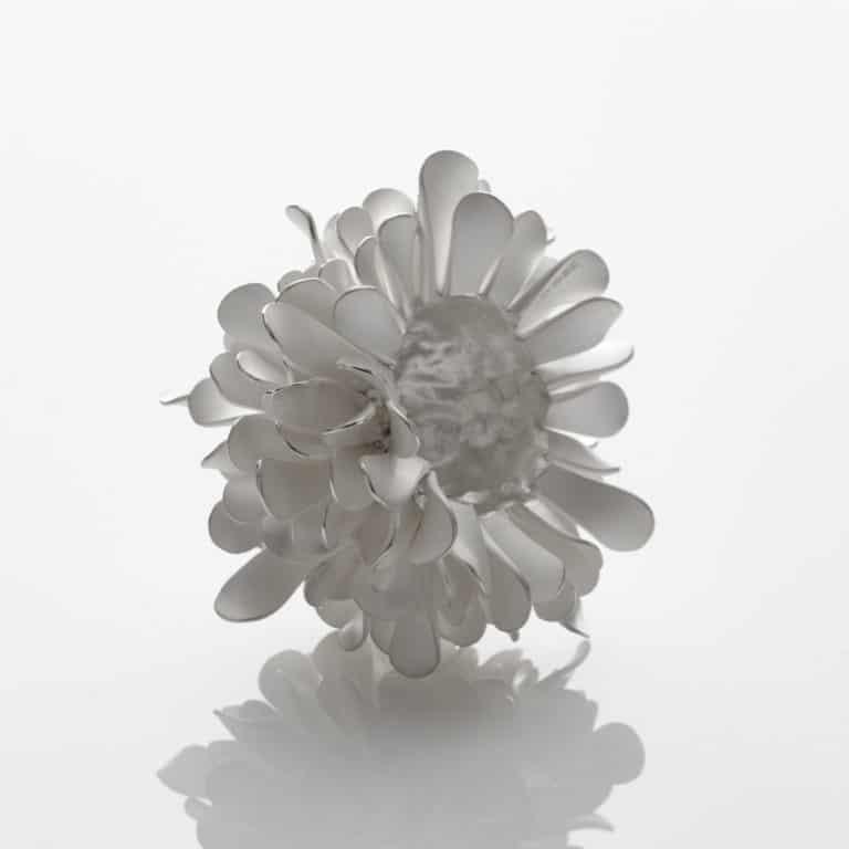 Junko Mori Silver Organism; Mini Twisted Leaf, 2020 Forged Fine silver 999, 280g